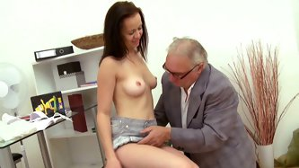 Slender brunette babe with great sender body gets her juicy yoni nailed and sucks tiny dick of the eager grandpa before riding it in reverse cowgirl p