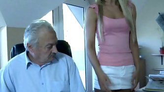 Young Vanda is just what that grandpa needs to have around. A beautiful young girl sexy ans silly enough so that he could fuck her whenever he wants