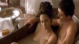 Angelina Jolie and Antonio Banderas in Pecado Original - Celebrities porn tube video