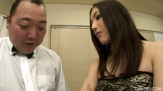 Mashiro Nozom rides his face and enjoys his tong penetrating deep between her labia. She stimulates her clit with a vibrator at a time.