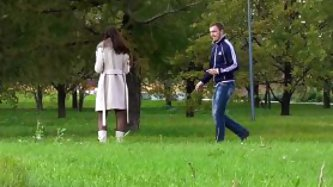Jeny flashes pantyhose in public park