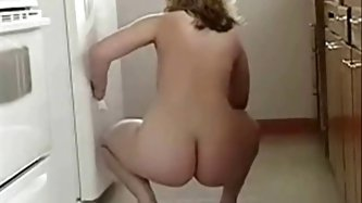 Chubby housewife - Housewives porn tube video